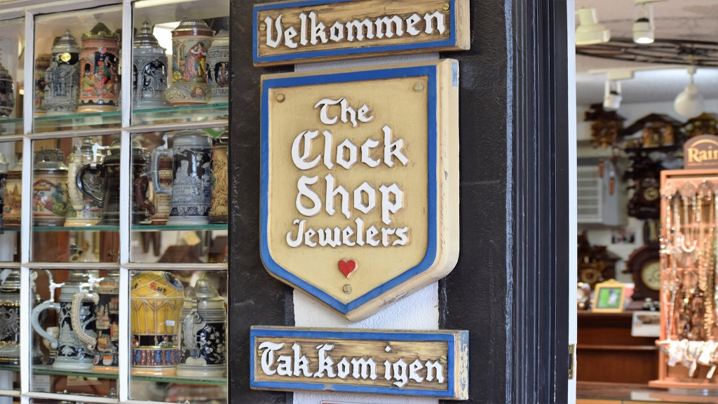 Hanson's Clock Shop Jewelers