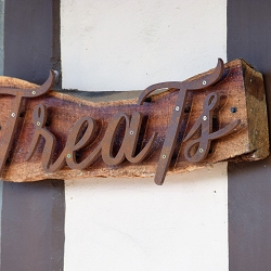 Treats Clothing Boutique