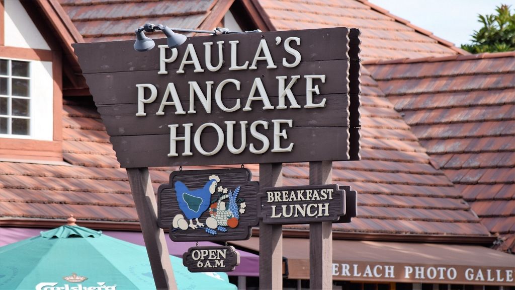Paula 39 s pancake house for Is waffle house open on thanksgiving